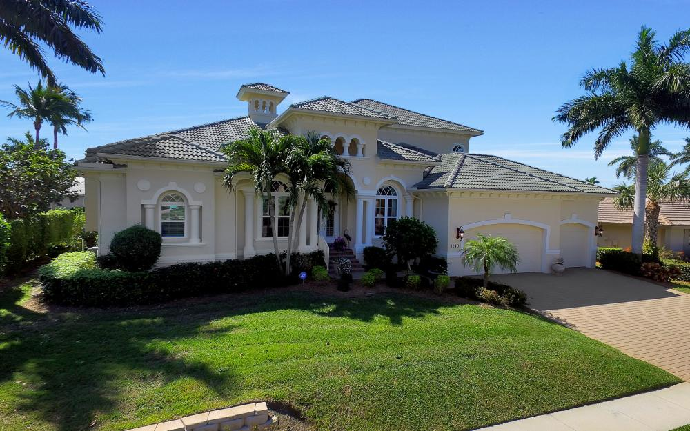 1240 Ember Ct, Marco Island - Wasterfron Gulf Access Home For Sale 1704534952