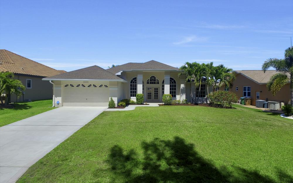 3405 SW 8th St, Cape Coral - Waterfront Gulf Access Home For Sale 1517247538