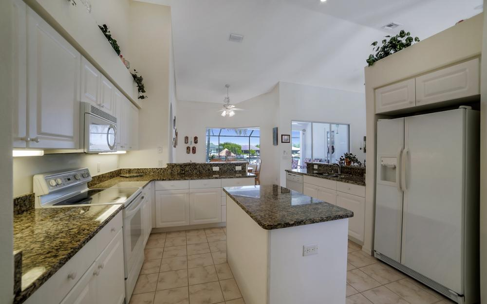 3405 SW 8th St, Cape Coral - Waterfront Gulf Access Home For Sale 290358685