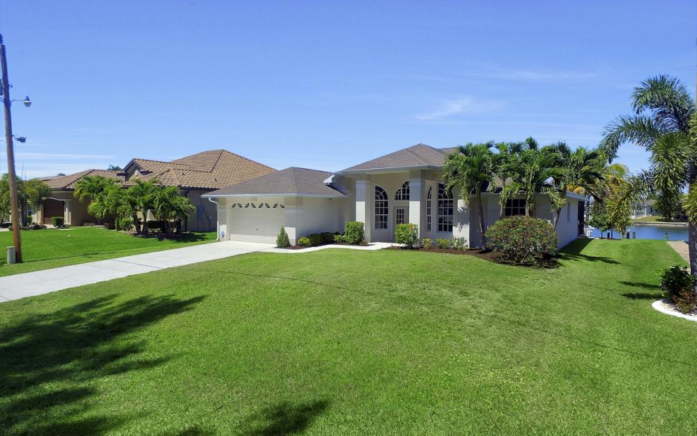 3405 SW 8th St, Cape Coral - Waterfront Gulf Access Home For Sale 118021021