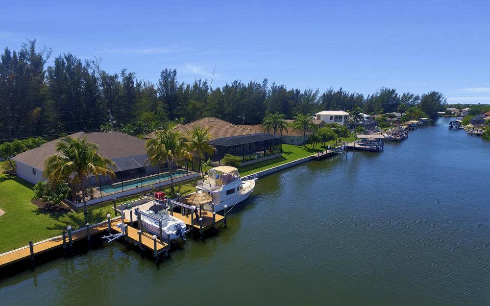 3405 SW 8th St, Cape Coral - Waterfront Gulf Access Home For Sale 2008769569