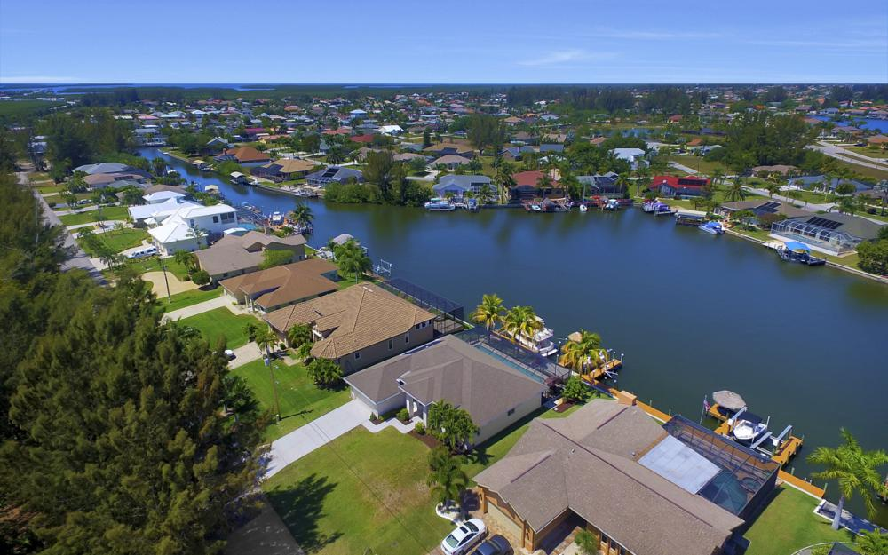 3405 SW 8th St, Cape Coral - Waterfront Gulf Access Home For Sale 72096023