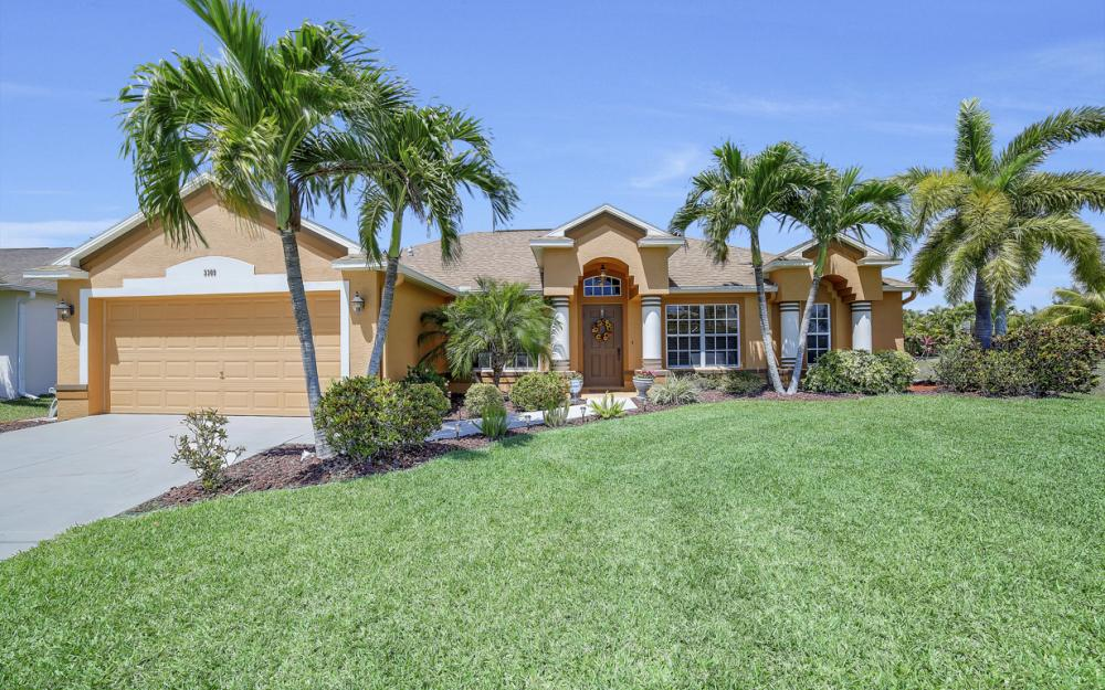 3309 SW 3rd Ln, Cape Coral - Home For Sale 667640324