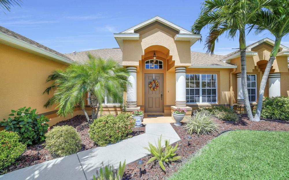 3309 SW 3rd Ln, Cape Coral - Home For Sale 221814127