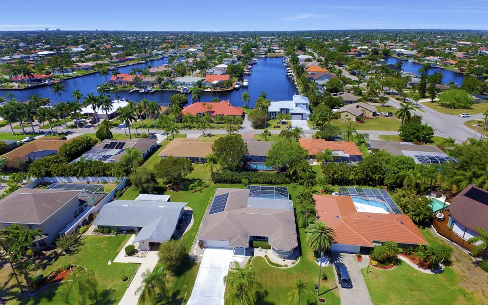 3414 SE 22nd Pl, Cape Coral - Home For Sale 235187202