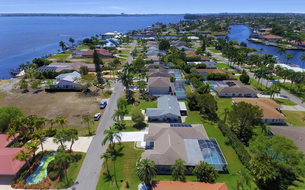 3414 SE 22nd Pl, Cape Coral - Home For Sale 735651666