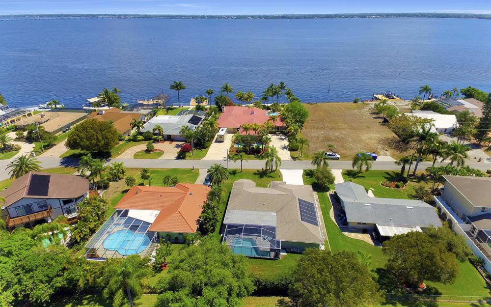 3414 SE 22nd Pl, Cape Coral - Home For Sale 1782429802
