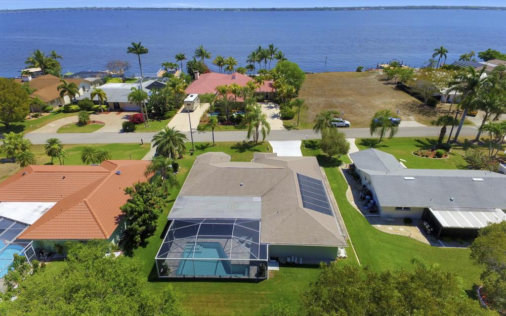 3414 SE 22nd Pl, Cape Coral - Home For Sale 914373423