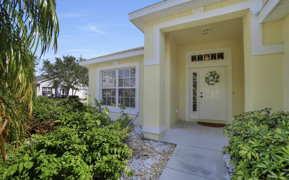 9705 Gladiolus Bulb Loop, Fort Myers - Home For Sale 888265126