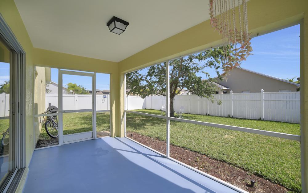 9705 Gladiolus Bulb Loop, Fort Myers - Home For Sale 931050620