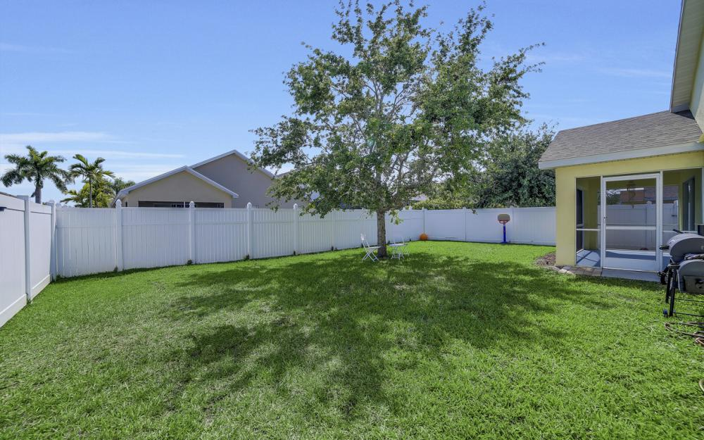 9705 Gladiolus Bulb Loop, Fort Myers - Home For Sale 1116040059
