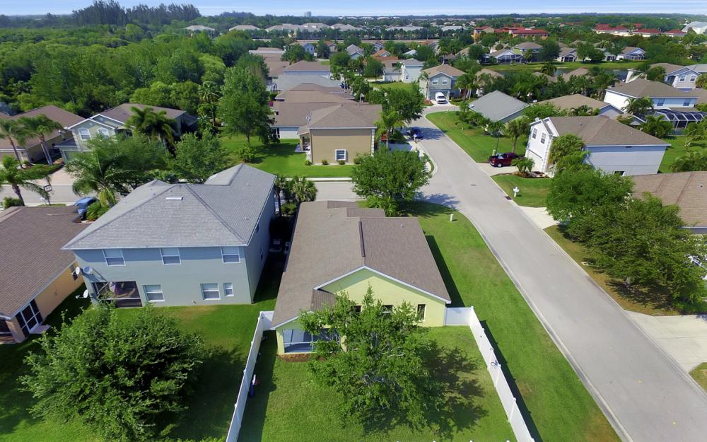 9705 Gladiolus Bulb Loop, Fort Myers - Home For Sale 1637053048