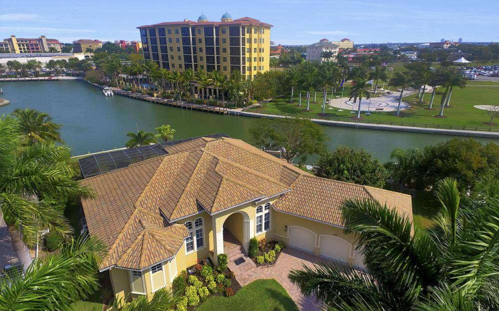 490 Rio Ct, Marco Island - Home For Sale 1434968003