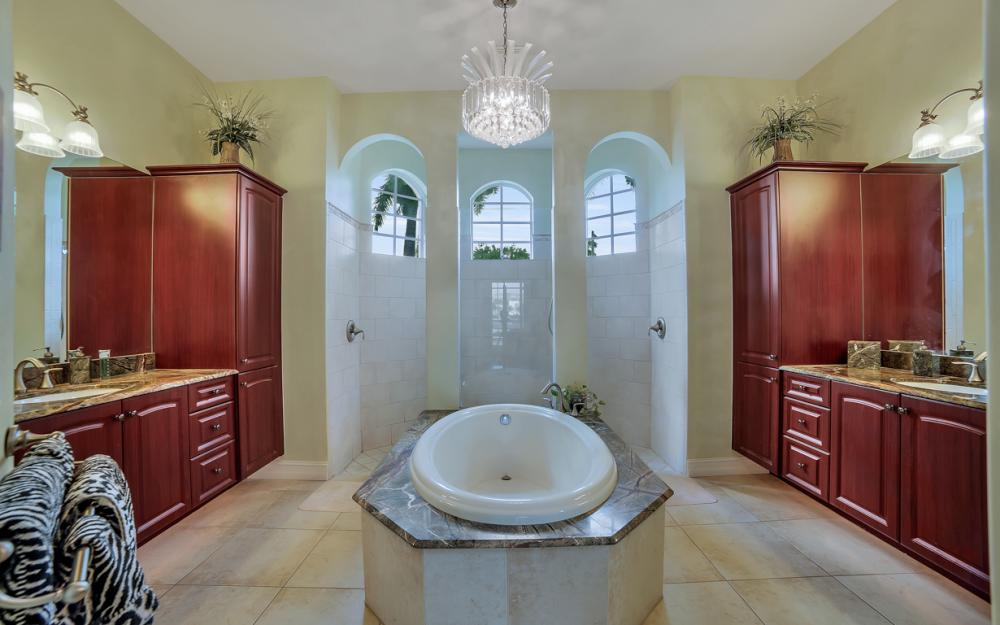 490 Rio Ct, Marco Island - Home For Sale 1167239024