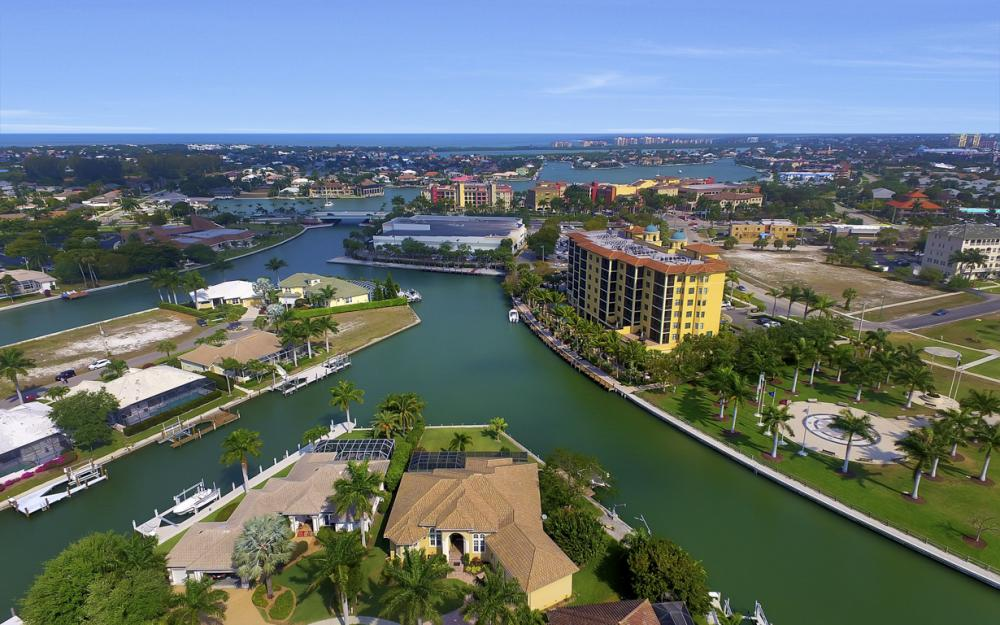 490 Rio Ct, Marco Island - Home For Sale 223541629