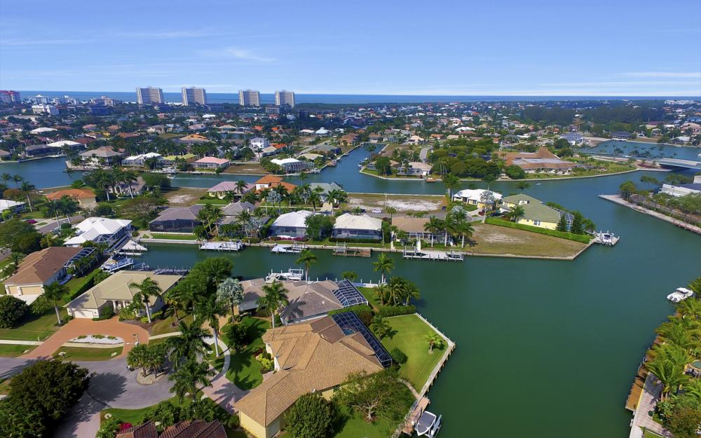 490 Rio Ct, Marco Island - Home For Sale 78589845