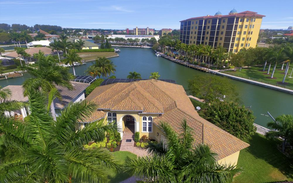 490 Rio Ct, Marco Island - Home For Sale 81624559