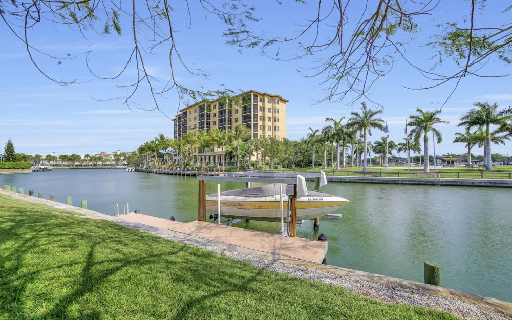 490 Rio Ct, Marco Island - Home For Sale 1081321132
