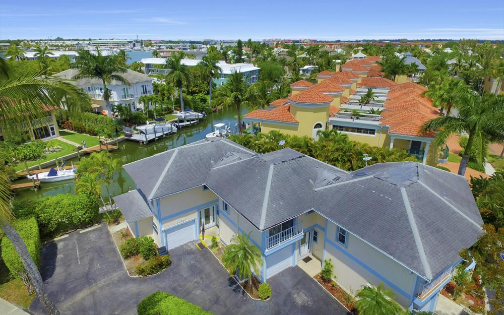 1475 Blue Point Ave, Naples - Home For Sale 59302389
