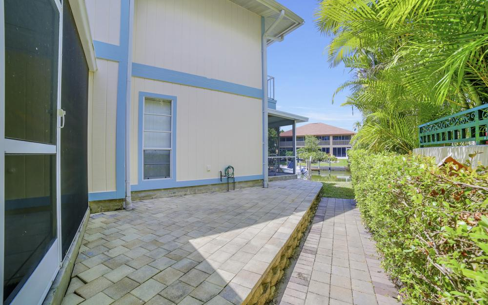 1475 Blue Point Ave, Naples - Home For Sale 1071557158