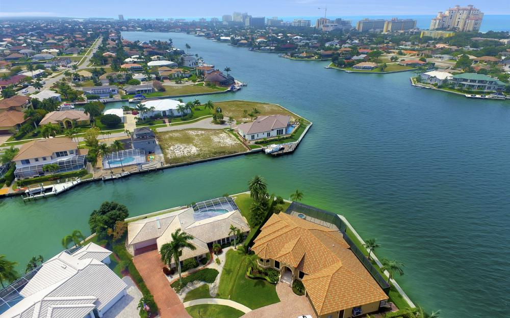 55 Primrose Ct, Marco Island - Home For Sale 920292459