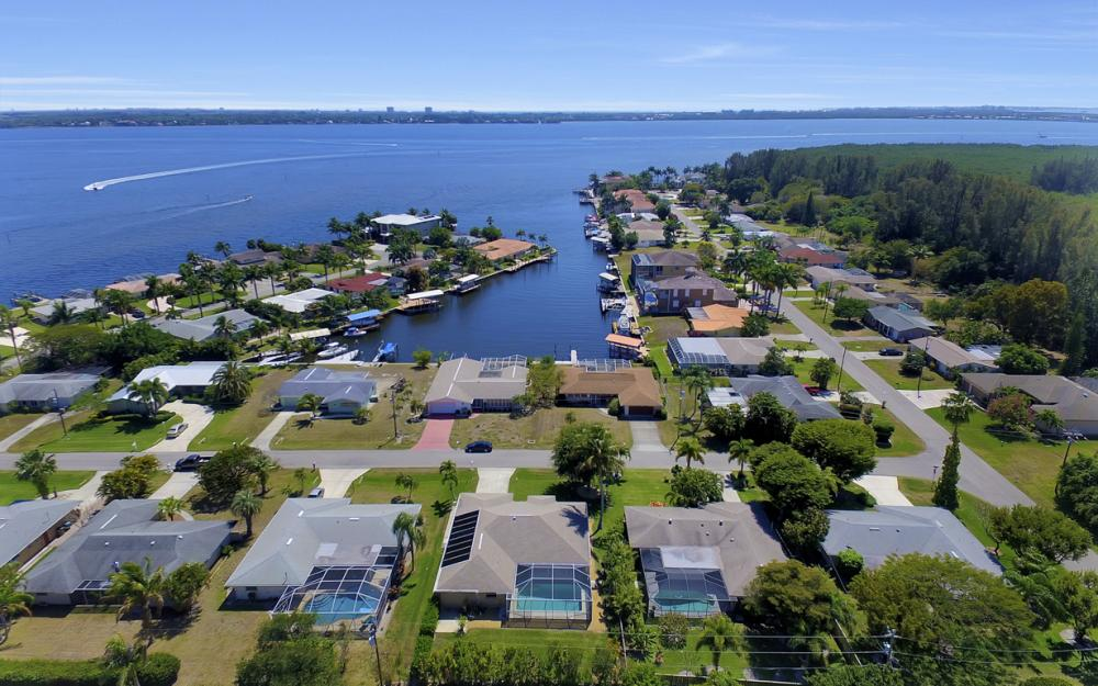 119 SW 59th Ter, Cape Coral - Home For Sale 829800789