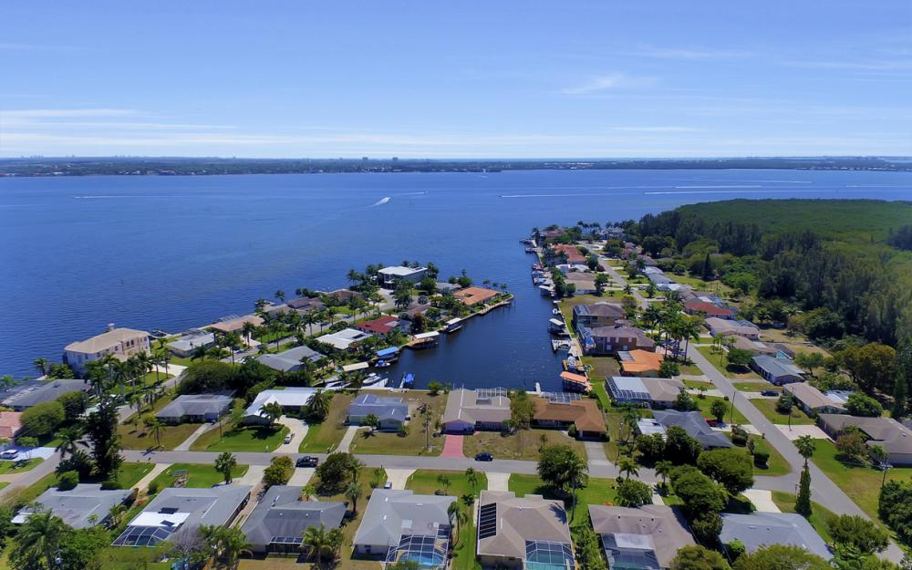 119 SW 59th Ter, Cape Coral - Home For Sale 1529048575