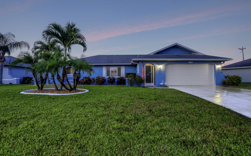 906 SE 17th St, Cape Coral - Home For Sale 1503696723