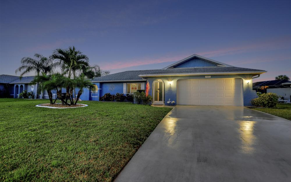 906 SE 17th St, Cape Coral - Home For Sale 117131247