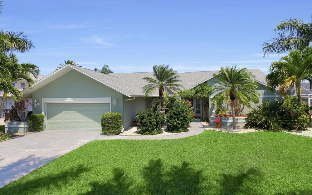 1927 SE 35th St, Cape Coral - Home For Sale 469013388
