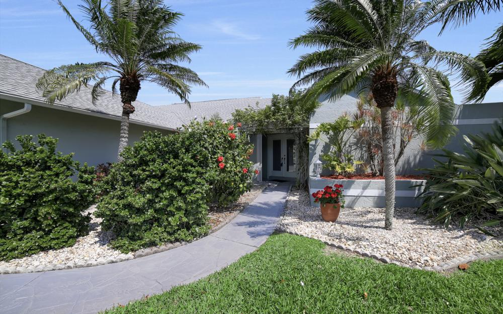 1927 SE 35th St, Cape Coral - Home For Sale 1946186823