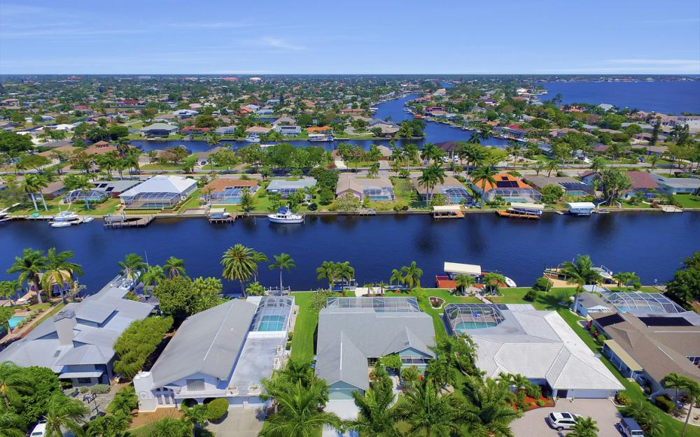 1927 SE 35th St, Cape Coral - Home For Sale 1211651542