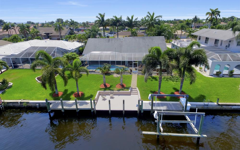 1927 SE 35th St, Cape Coral - Home For Sale 640449086