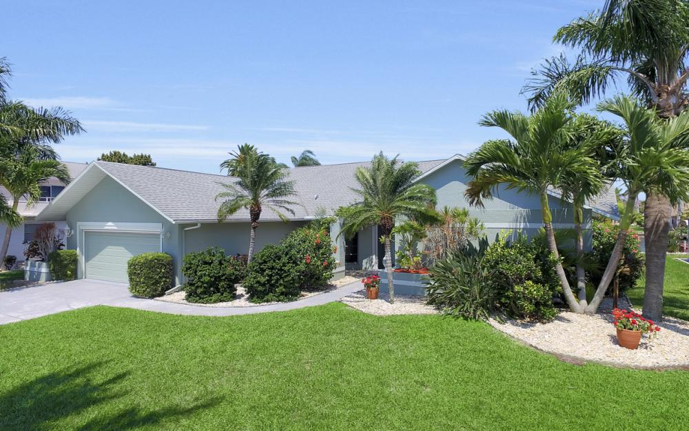 1927 SE 35th St, Cape Coral - Home For Sale 751308996