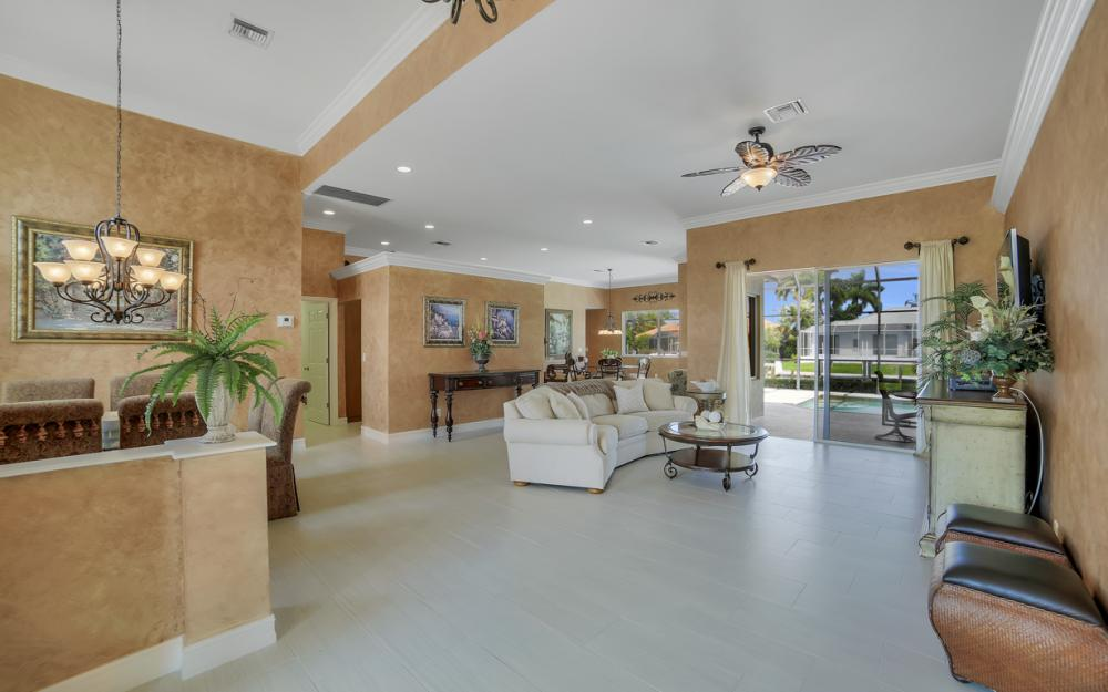 477 Driftwood Ct, Marco Island - Home For Sale 1928906556