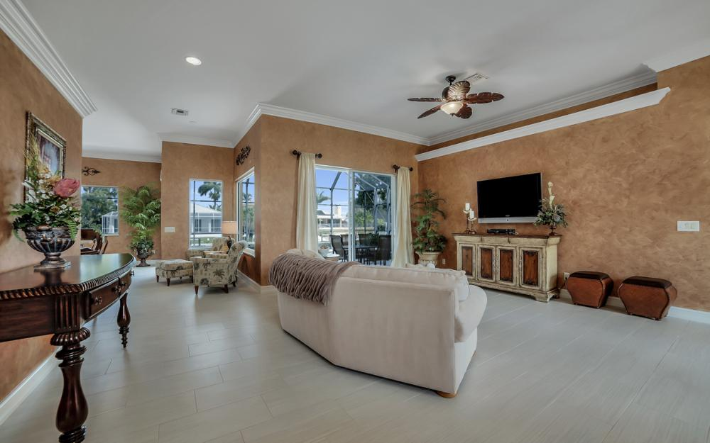477 Driftwood Ct, Marco Island - Home For Sale 1665618803