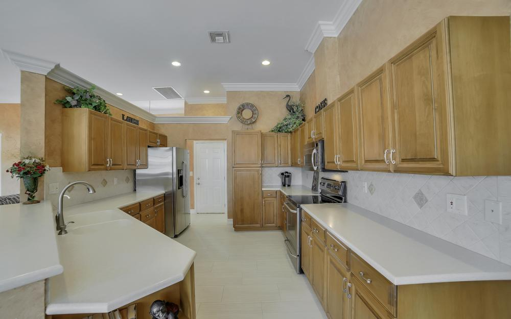 477 Driftwood Ct, Marco Island - Home For Sale 490209498
