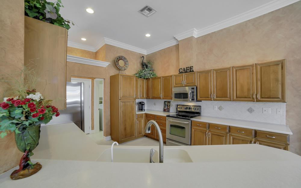 477 Driftwood Ct, Marco Island - Home For Sale 1281243763