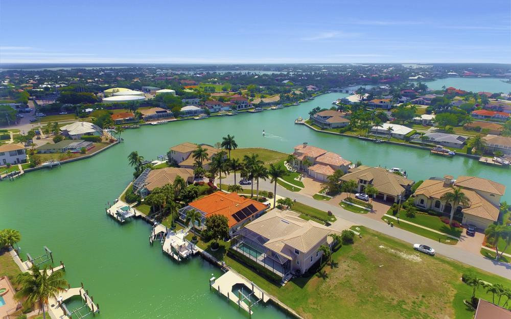 477 Driftwood Ct, Marco Island - Home For Sale 273298778