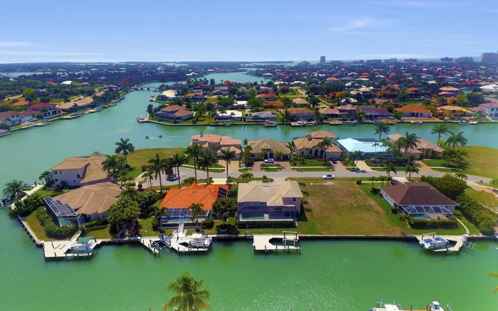 477 Driftwood Ct, Marco Island - Home For Sale 1013048102