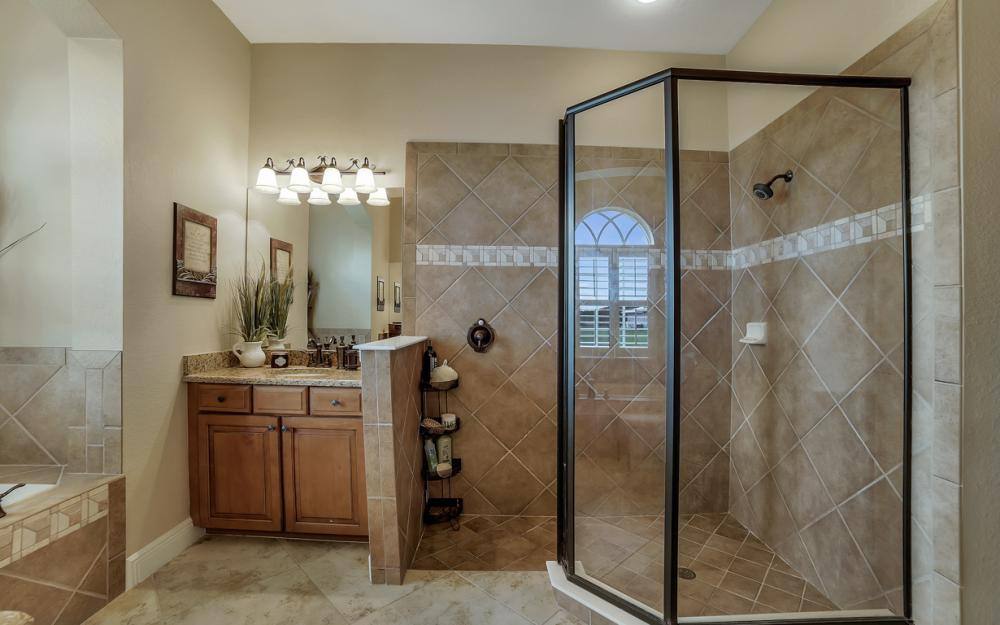 13970 Binghampton Dr, Fort Myers - Home For Sale 1155387638