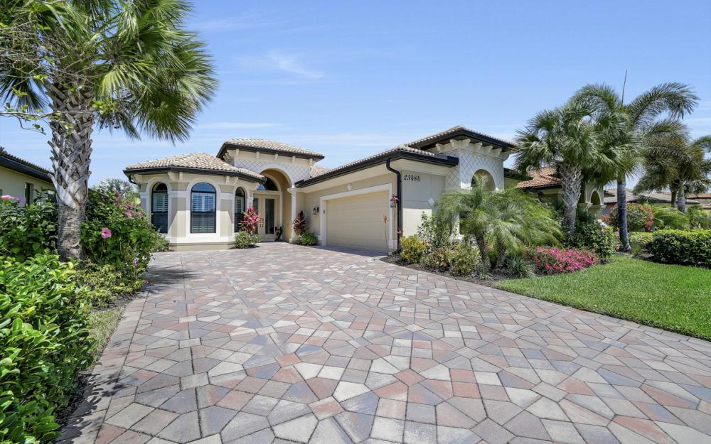 23484 Sanabria Loop, Bonita Springs - Home For Sale 1851439352