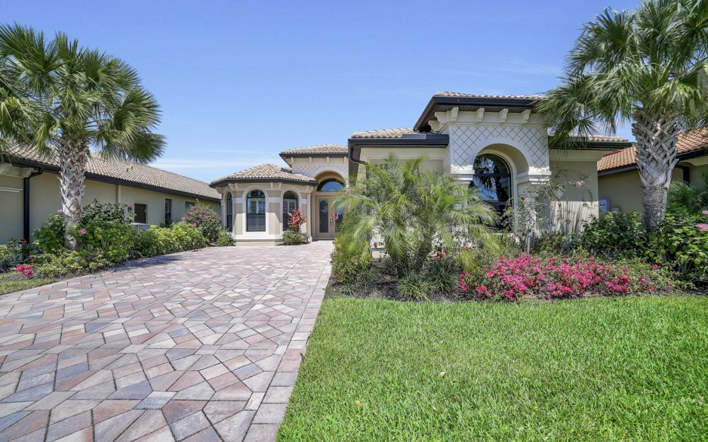 23484 Sanabria Loop, Bonita Springs - Home For Sale 2098700801