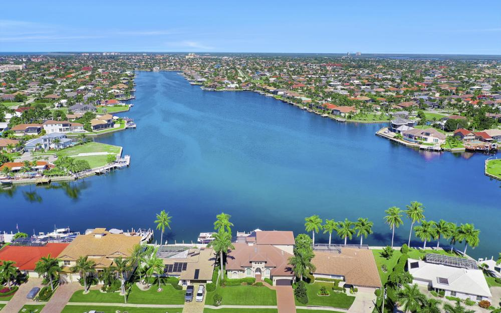 1056 Fieldstone Dr, Marco Island - House For Sale 21853780