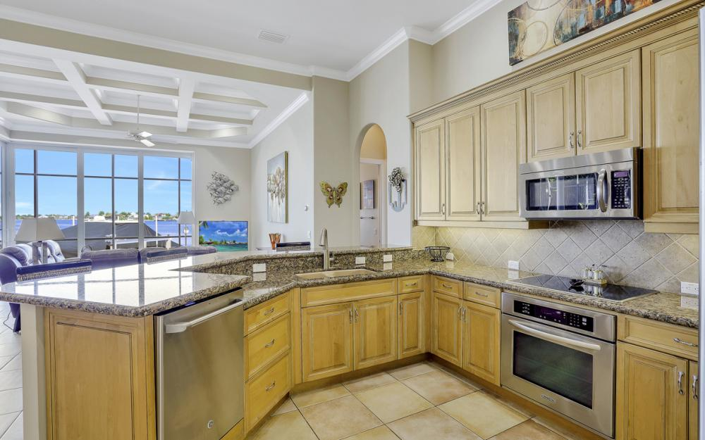 1056 Fieldstone Dr, Marco Island - House For Sale 1324489018