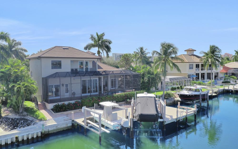 1056 Fieldstone Dr, Marco Island - House For Sale 1530224544