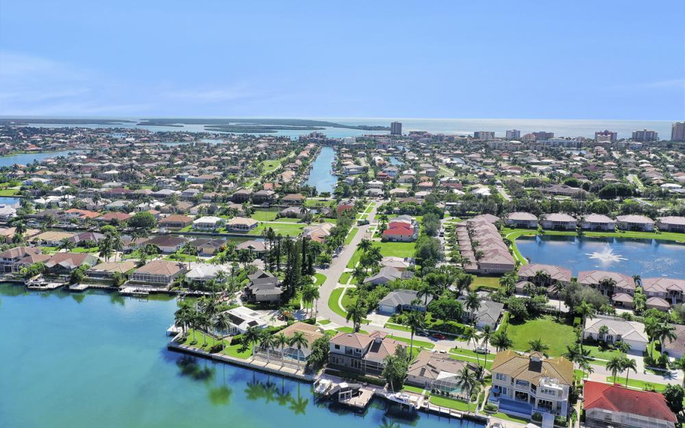 1056 Fieldstone Dr, Marco Island - House For Sale 75064774