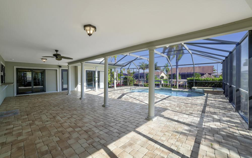 2312 SE 27th St, Cape Coral - Home For Sale 1359240895