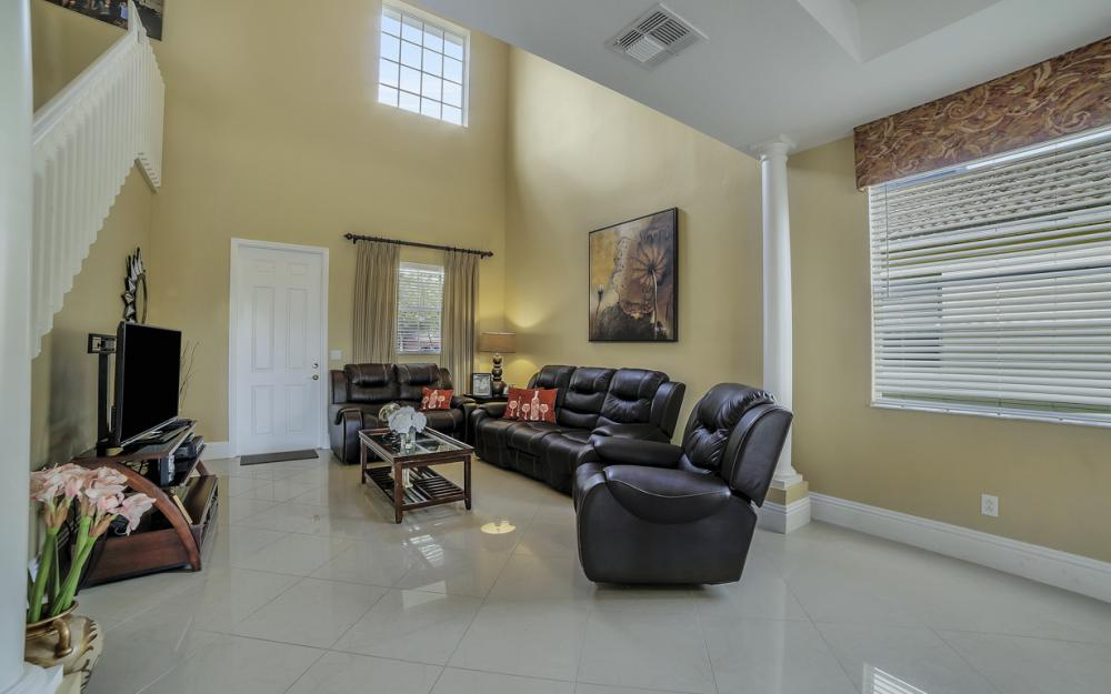 2504 Keystone Lake Dr, Cape Coral - Home For Sale 1295467068