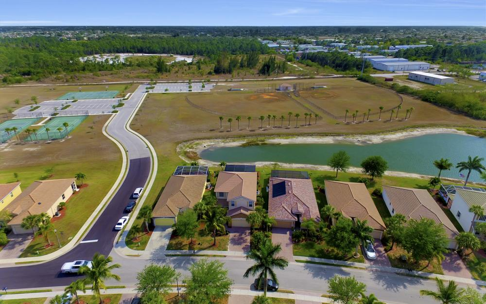 2504 Keystone Lake Dr, Cape Coral - Home For Sale 70641144